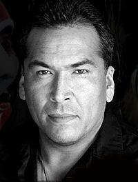 Eric Schweig Inuvialuk Chippewa Dene German And Portuguese Actor Native Americans Com Eric schweig was born on june 19, 1967 in inuvik, northwest territories, canada as ray dean thrasher. eric schweig inuvialuk chippewa