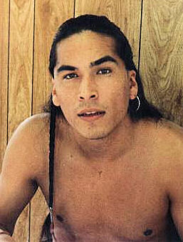 Eric Schweig Inuvialuk Chippewa Dene German And Portuguese Actor Native Americans Com Eric schweig was born on june 19, 1967 in inuvik, northwest territories, canada as ray dean thrasher. eric schweig inuvialuk chippewa